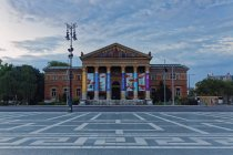 Hungary, Budapest, Hall of Art at Heroes Square — Stock Photo