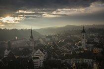 Schweiz, Kanton Schaffhausen, schaffhausen, Altstadt Luftaufnahme am launischen Abend — Stockfoto