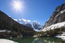 Канада, Британская Колумбия, Национальный парк Йо, озеро Виктория в Фелине — стоковое фото
