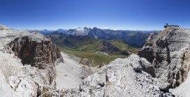 Італія, Трентіно, Беллуно, Mountainscape на Pordoi перевалі денний час — стокове фото