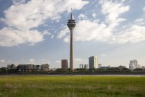 -Du-Nord-Westphalie, en Allemagne, Düsseldorf, bâtiment du Parlament, Landtag, tour — Photo de stock