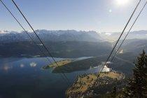 Deutschland, Bayern, herzogstand-Seilbahn in den Bergen im Gegenlicht — Stockfoto
