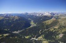 Italie, Trentin, Belluno, vue des montagnes de Sass Pordoi pendant la journée — Photo de stock