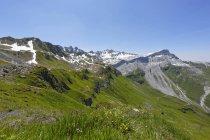 Svizzera, Grigioni, Lago Grafiersee con Madrisa, Ratikon e Ratschenfluh sfondo — Foto stock