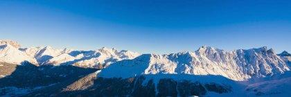 Suisse, Grisons, près de Savognin, Alpes suisses pendant la journée — Photo de stock