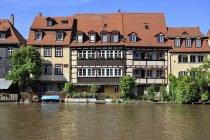 Німеччина, Баварія, Бамберг, перегляд Маленька Венеція на на Regnitz — стокове фото