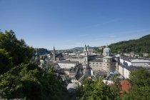 Австрія, Зальцбург держави, Старе місто Зальцбург та кафедральний собор Зальцбурга вид зверху — стокове фото