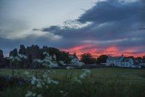 Grã-Bretanha, Inglaterra, Northumberland, Holy Island, Lindisfarne, mosteiro à noite — Fotografia de Stock