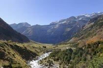 Іспанія, Національний парк Ordesa y Монте Perdido, в долині річки — стокове фото