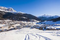 Switzerland, Graubuenden, Savognin, skiing resort, ski tracks — Stock Photo