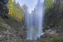 Германия, Кимгау, Schossrinn водопады живописный природный ландшафт — стоковое фото