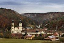 Germany, Bavaria, View of Pielenhofen Abbey at Naab Valley — Stock Photo