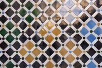 Espanha, Andaluzia, Granada, colorido telhas no Alhambra — Fotografia de Stock