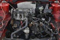 Primer plano de los detalles del coche basura roja - foto de stock