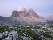 Europa, Italia, Veduta delle Tre Cime di Lavaredo all'alba — Foto stock