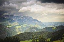 Німеччина, Баварія, видом на Альпи денний час — стокове фото
