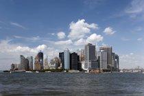 USA, lo skyline di New York City nella giornata di sole — Foto stock