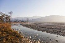 Перегляд Ramganga річка в Джим Корбетт Національний парк, Уттаракханд, Індія — стокове фото