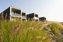 Пляжний готель будівель — стокове фото