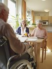 Senioren im Pflegeheim — Stockfoto