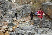 Spagna, La Palma, Escursioni delle donne al Parco Nazionale della Caldera de Taburiente — Foto stock