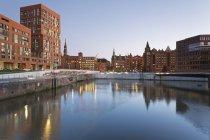 Amburgo, Brooktorhafen e nuovi edifici — Foto stock