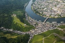 Germany, Rhineland-Palatinate, aerial view of Bernkastel-Kues with Moselle River — Stock Photo
