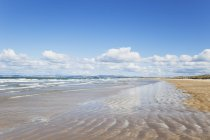 Nuova Zelanda, Isola del Nord, Northland, Doubtless Bay sotto le nubi — Foto stock
