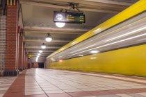 Berlin, U-Bahn-Station — Stockfoto