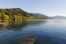 Austria, Alta Austria, Weyregg, Veduta del lago Attersee — Foto stock