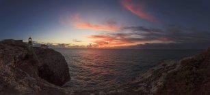 Португалія, Sagres, перегляд маяк сяйві — стокове фото