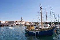 Segelboote im Hafen — Stockfoto