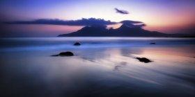 Royaume-Uni, Écosse, vue de Isle de rhum à l'aube — Photo de stock