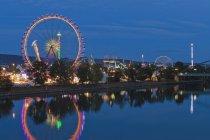 Germany, Baden Wuerttemberg, Stuttgart, Fairground rides at Cannstatter Volksfest — Photo de stock