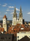 Germany, Bavaria, Regensburg, View of old town with St Peters Cathedral — Stock Photo