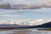 USA, Alaska, View of Susitna River and landscape in autumn — Stock Photo