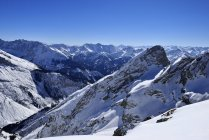 Німеччина, Баварія, перегляд горами Карвендель, та баварські Альпи — стокове фото