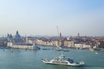 Italy, Venice, View of Canal Grande at Santa Maria della Salute church — Stock Photo