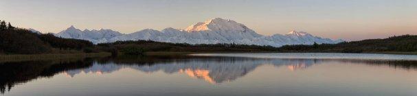 США, Аляска, вид на гору Мак-Кінлі і Аляска діапазон Denali National Park — стокове фото