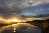Estados Unidos, Alaska, Vista del río Yukón al amanecer - foto de stock