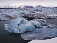 Ледниковое озеро Ёкюльсаурлоун — стоковое фото