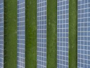 Alemanha, Baviera, vista aérea de painéis solares — Fotografia de Stock