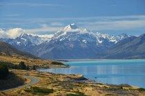 Новая Зеландия, Южный остров, озеро Пукаки, гора Кук — стоковое фото