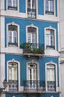 Portugal, Lisbon, Facade of house with azulejos — Stock Photo