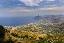 Італія, Сицилія, провінція Трапані, Ериче, узбережжя та Монте-Кофано — стокове фото