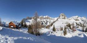 Autriche, Tyrol, Maurach am Achensee, Rofan Mountains, Rotspitz, Gschoellkopf, Erfurter Huette — Photo de stock