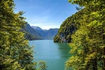 Німеччина, Баварія, озеро Кенігсзее у денний час — стокове фото
