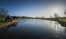 Irlande, Kildare, Maynooth, hangar à bateaux en carton — Photo de stock