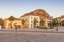 Griechenland, Peloponnes, Argolis, Nauplia, Altstadt, palamidische Festung im Abendlicht — Stockfoto