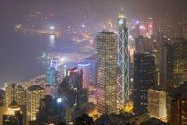 China, Hong Kong, Central y Wan Chai por la noche - foto de stock